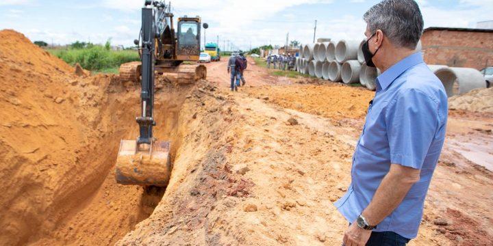 Jucá apoia obras no Pedra Pintada em Boa Vista