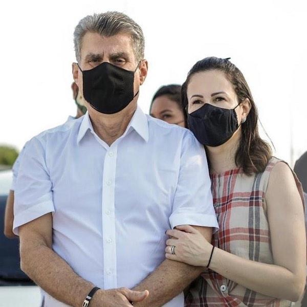 Romero Jucá e Rosilene Brito de máscara demonstram preocupação com a pandemia em Roraima