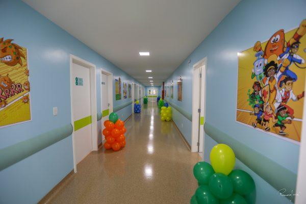 Imagem de corredor novo e colorido