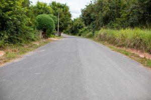 Imagem de rua asfaltada em Caroebe