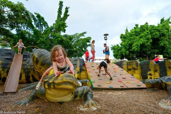 Crianças brincando em Selvinha Amazônica no Ayrton Senna