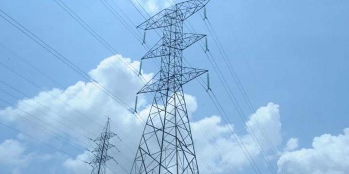 Imagem de uma torre de energia. Imagem para falar do Linhão de Tucuruí