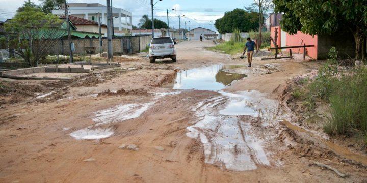 Imagem de rua ruim em Caroebe