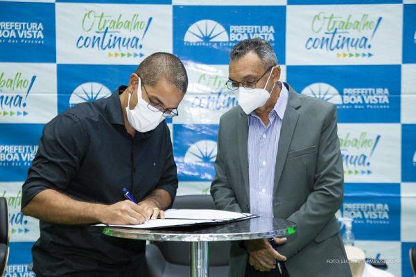 Arthur e Popó assinam convênio de apoio ao esporte