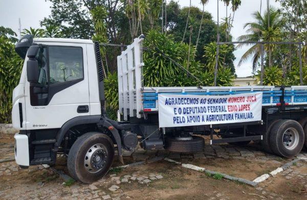 Imagem de caminhão. Jucá conseguiu recursos para equipamentos na agricultura