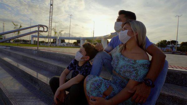 Pollyana Silva com o marido e o filho no Parque do Rio Branco têm o sentimento de mais segurança