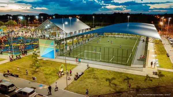 Complexo esportivo na Praça da Primeira Infância