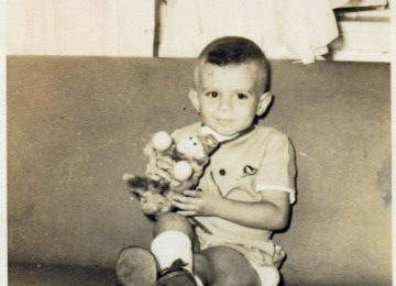 Imagem mostra quem é Romero Jucá na infância