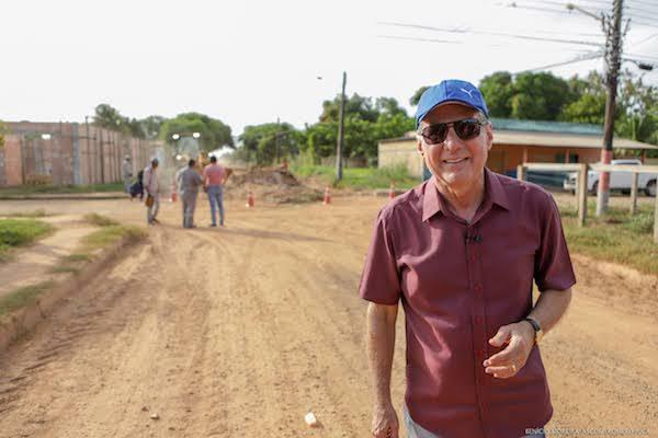 Romero Jucá trouxe recursos para asfaltar ruas de Caracaraí