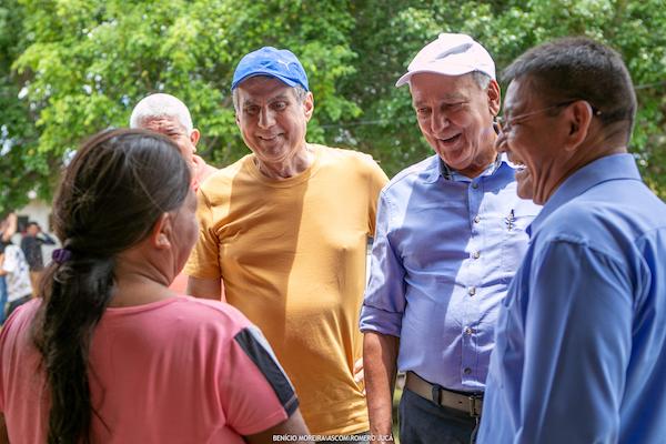Romero Jucá visita Feira Cultural da comunidade indígena de Roraima
