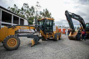 Tratores comprados com recursos de Romero Jucá para o programa Municipal de Desenvolvimento Agrário da Prefeitura de Boa Vista