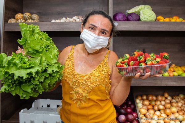 Empreendedora do ramo de frutas e hortaliças do Mercado Municipal de Boa Vista