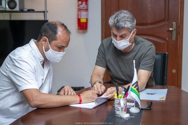 Romero Jucá recebe jovens empreendedores de Roraima