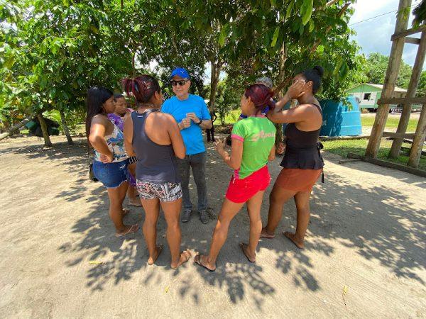 Romero Jucá escuta as necessidades dos moradores do Baixo Rio Branco